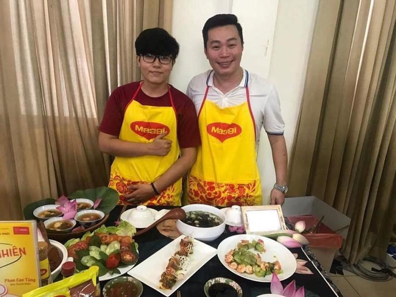 Chàng trai 'Vua bếp' làng báo năm 2017 là ai? - ảnh 1
