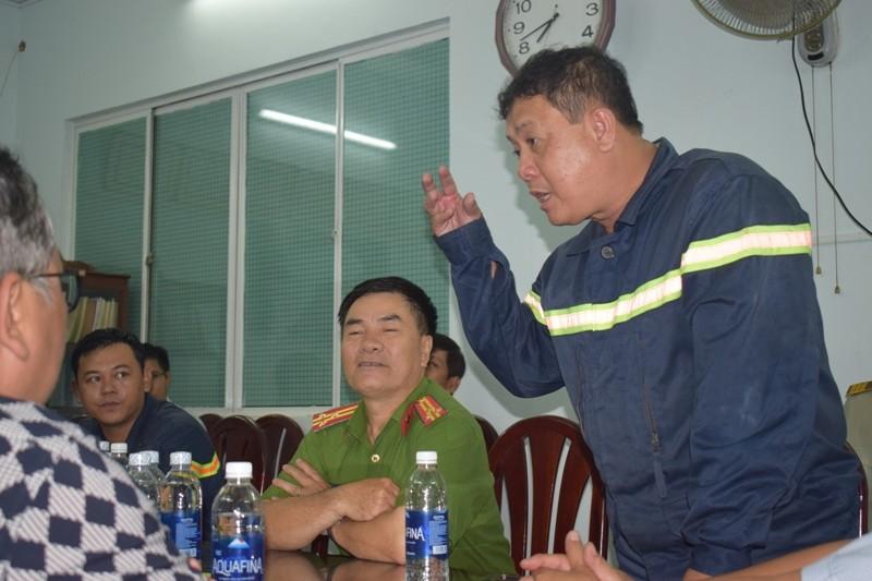 Hơn 200 tiểu thương chợ Tân Bình diễn tập chữa cháy  - ảnh 14