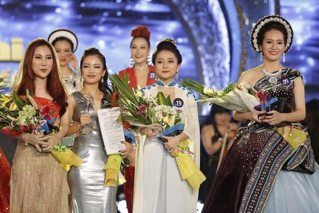 Hot girl ví dặm xứ Nghệ giành giải nhì Sao mai điểm hẹn - ảnh 1