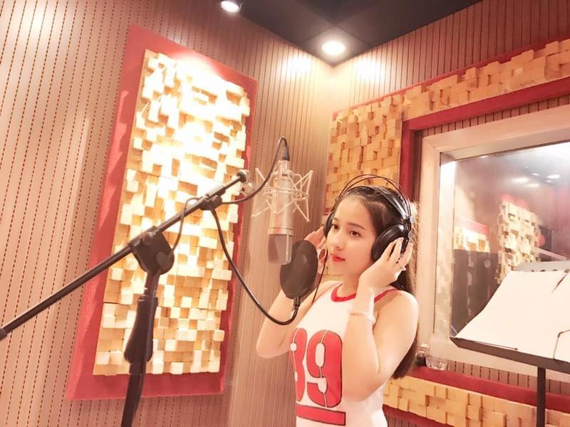 Hot girl ví dặm xứ Nghệ giành giải nhì Sao mai điểm hẹn - ảnh 3