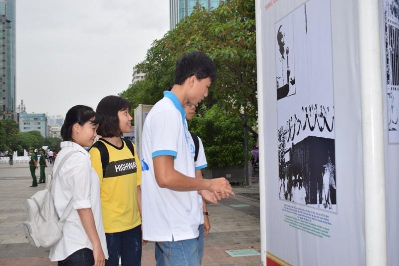 Triển lãm Thắm tình hữu nghị Việt Nam - Liên bang Nga - ảnh 4