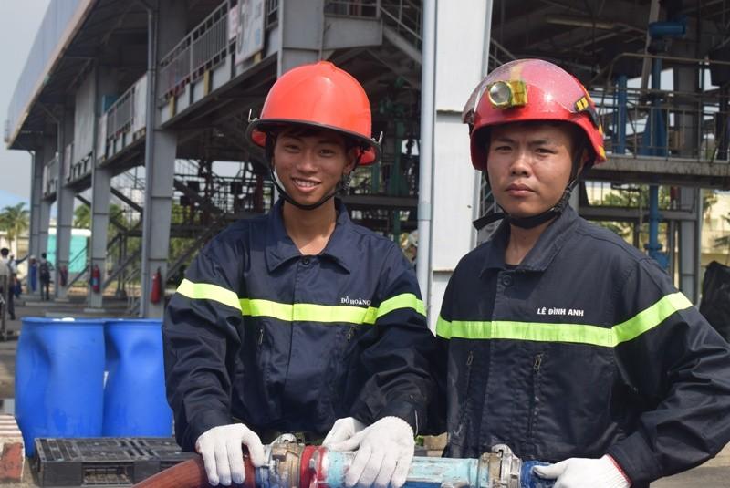 900 người dập đám cháy Tổng kho xăng dầu Nhà Bè - ảnh 8