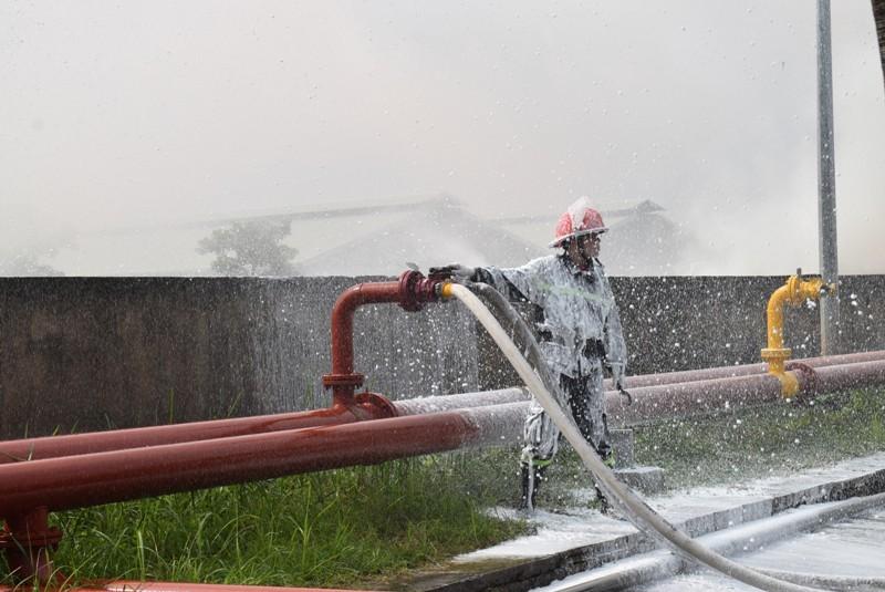 900 người dập đám cháy Tổng kho xăng dầu Nhà Bè - ảnh 4