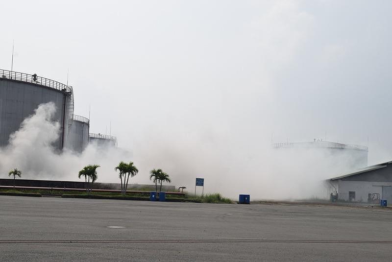 900 người dập đám cháy Tổng kho xăng dầu Nhà Bè - ảnh 1