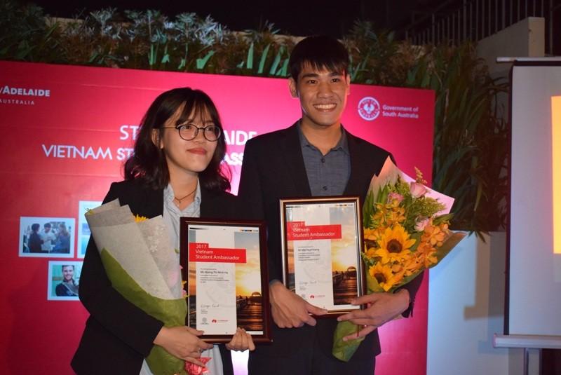 2 sinh viên Việt Nam trở thành đại sứ bang Nam Úc 2017 - ảnh 5
