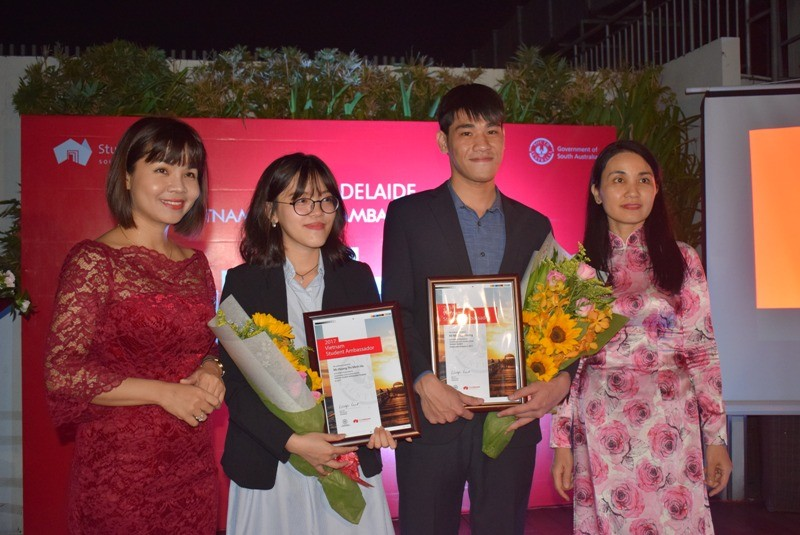 2 sinh viên Việt Nam trở thành đại sứ bang Nam Úc 2017 - ảnh 6