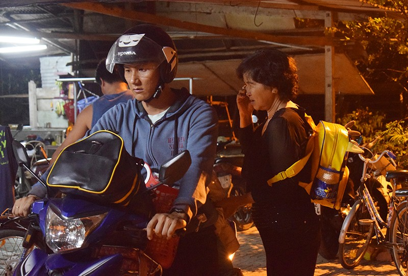 Người dân Củ Chi tiễn đưa cố Thủ tướng Phan Văn Khải - ảnh 3