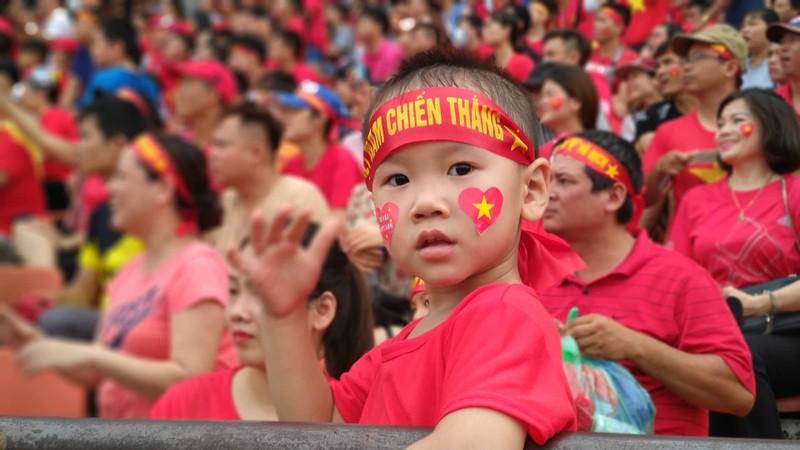 Cổ động viên cả nước tiếp lửa cho Olympic Việt Nam - ảnh 13