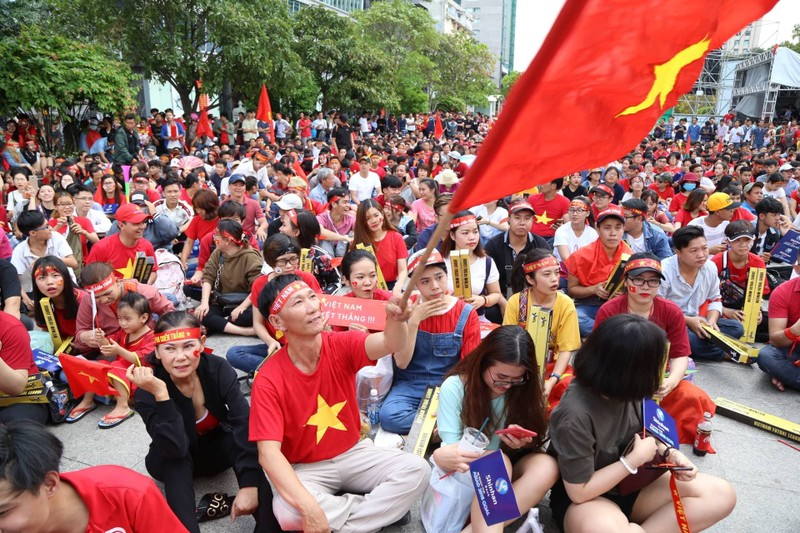 Cổ động viên cả nước tiếp lửa cho Olympic Việt Nam - ảnh 3