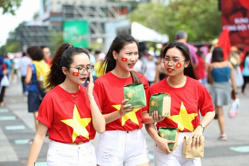 Cổ động viên cả nước tiếp lửa cho Olympic Việt Nam - ảnh 4