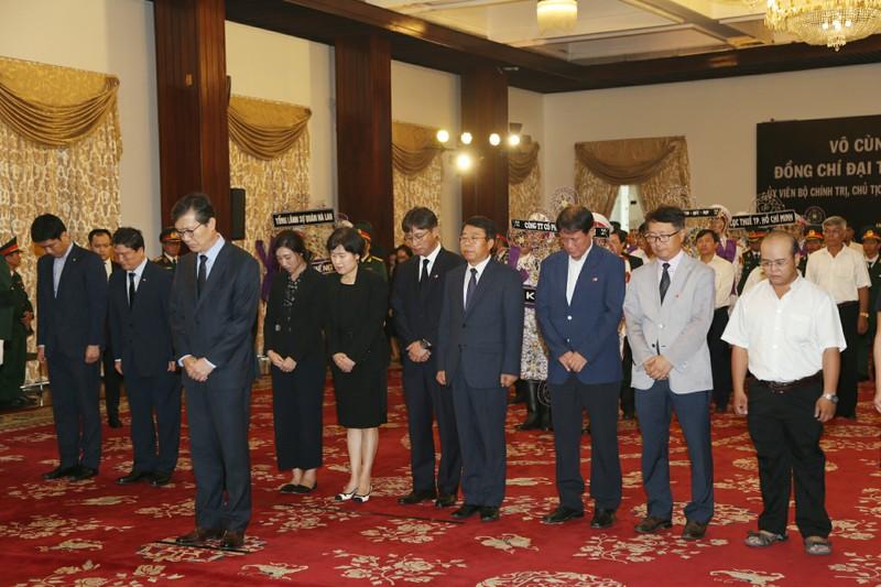 Nhiều đoàn ngoại giao đến viếng Chủ tịch nước tại TP.HCM - ảnh 9