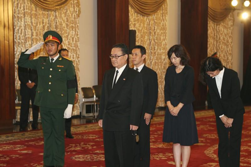 Nhiều đoàn ngoại giao đến viếng Chủ tịch nước tại TP.HCM - ảnh 11