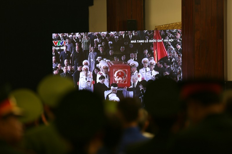 Xúc động hình ảnh lễ truy điệu Chủ tịch nước tại TP.HCM - ảnh 6