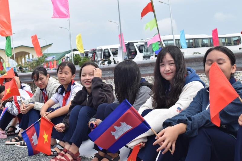 Những bóng hồng gây thương nhớ ở biên giới Tịnh Biên - ảnh 1