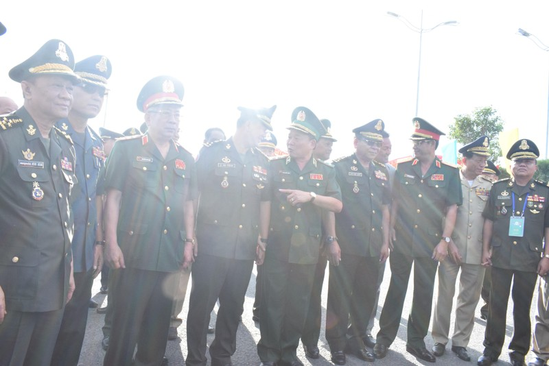 Trang nghiêm lễ chào cột mốc chủ quyền tại cửa khẩu Tịnh Biên - ảnh 4