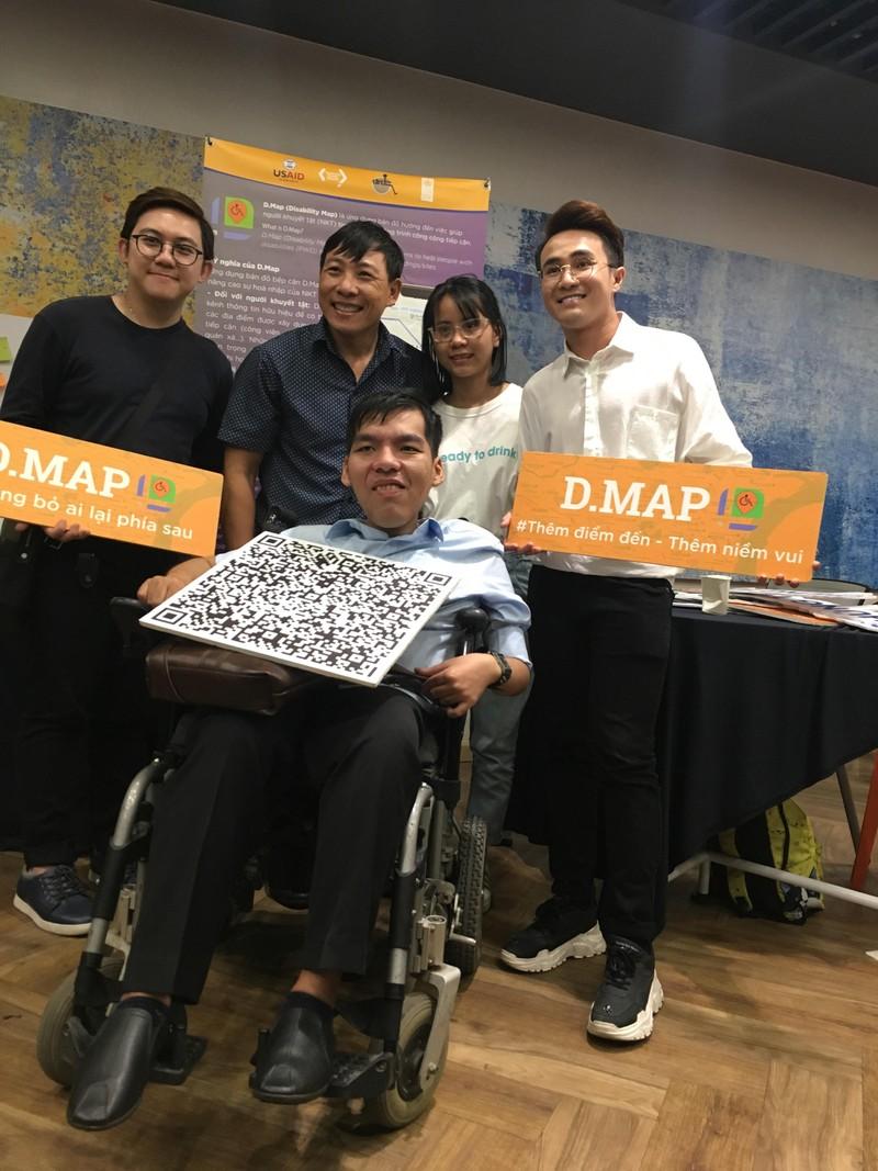 Huỳnh Lập 'đốn tim' fan khi dự cuộc thi về người khuyết tật - ảnh 6