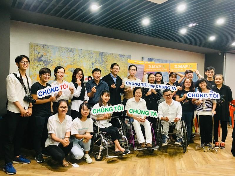 Huỳnh Lập 'đốn tim' fan khi dự cuộc thi về người khuyết tật - ảnh 1