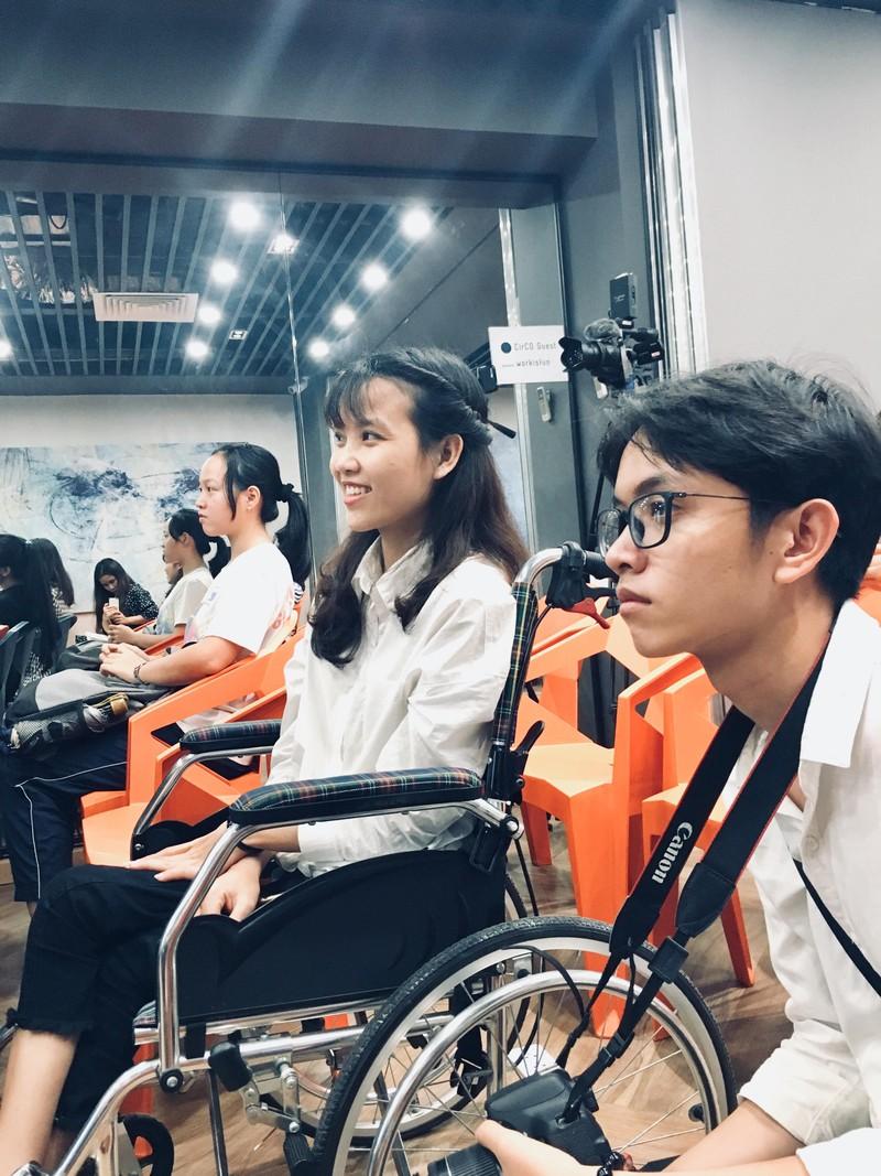 Huỳnh Lập 'đốn tim' fan khi dự cuộc thi về người khuyết tật - ảnh 11