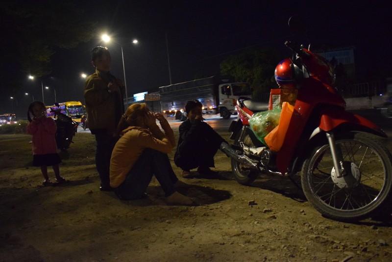 Người miền Tây chạy thâu đêm về TP.HCM mùng 5 tết - ảnh 1