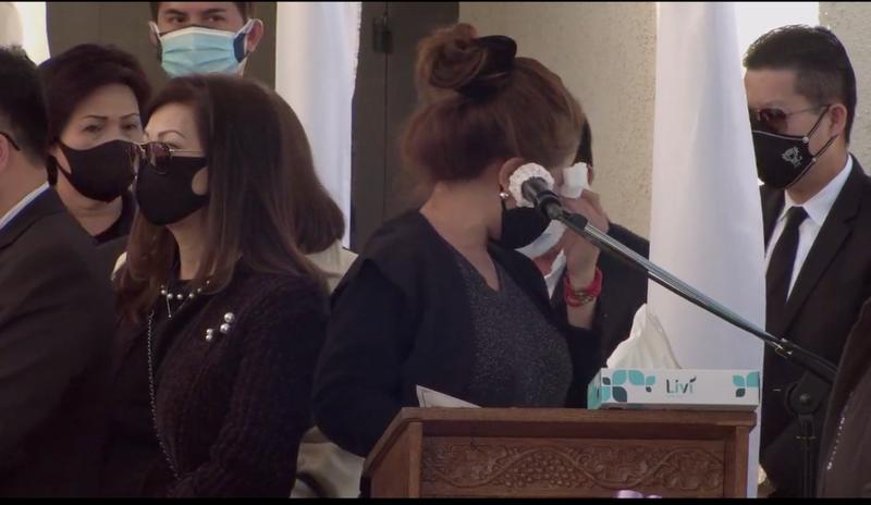 Khán giả, nghệ sĩ ở Mỹ nghẹn ngào viếng cố NS Chí Tài  - ảnh 3