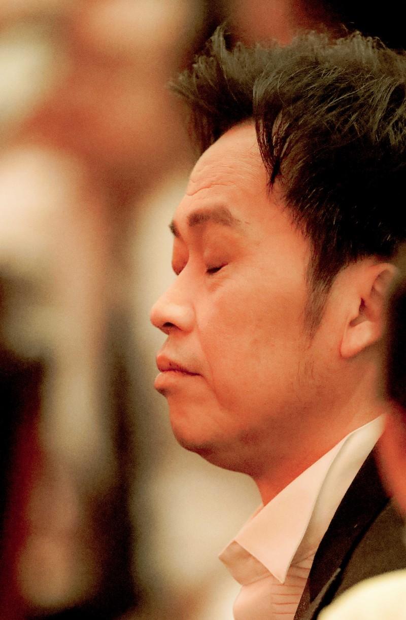 Ngàn lẻ một khoảnh khắc của NSƯT Hoài Linh tại Mai Vàng 2020 - ảnh 7