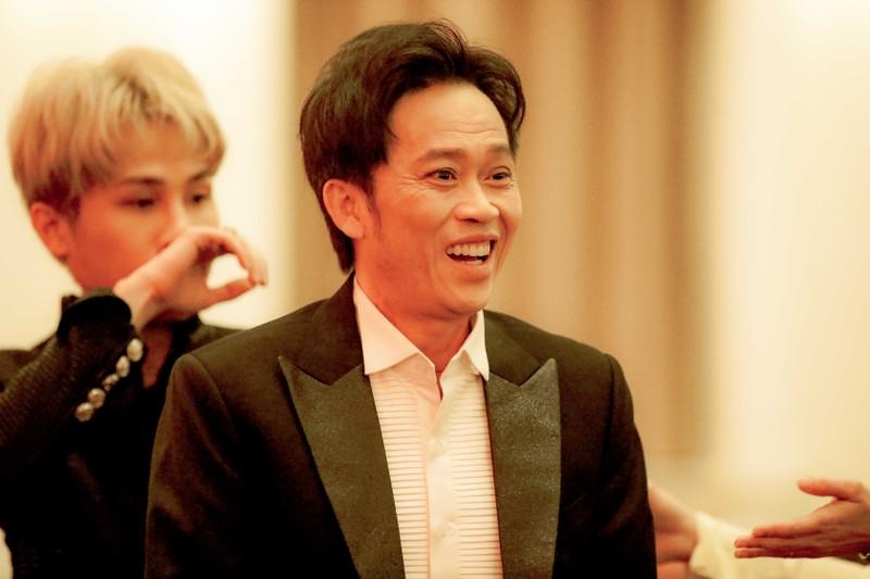 Ngàn lẻ một khoảnh khắc của NSƯT Hoài Linh tại Mai Vàng 2020 - ảnh 3
