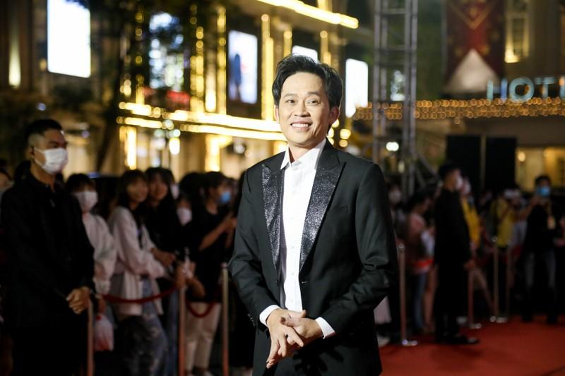 Ngàn lẻ một khoảnh khắc của NSƯT Hoài Linh tại Mai Vàng 2020 - ảnh 6