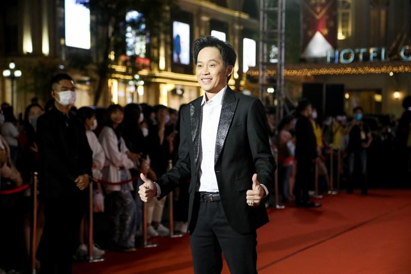 Ngàn lẻ một khoảnh khắc của NSƯT Hoài Linh tại Mai Vàng 2020 - ảnh 2
