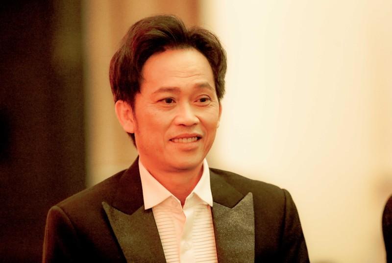 Ngàn lẻ một khoảnh khắc của NSƯT Hoài Linh tại Mai Vàng 2020 - ảnh 9