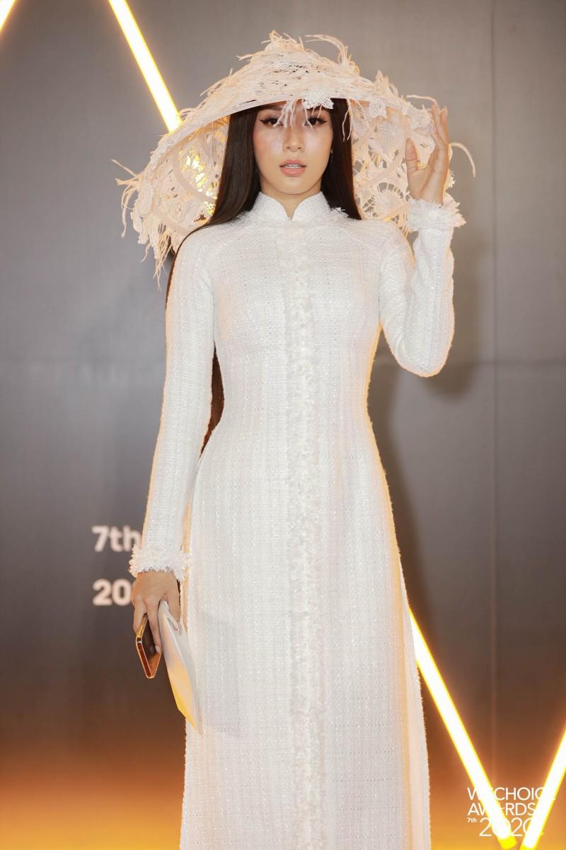 H'Hen Niê đọ sắc cùng hơn 20 nàng hậu trên thảm đỏ WeChoice - ảnh 7