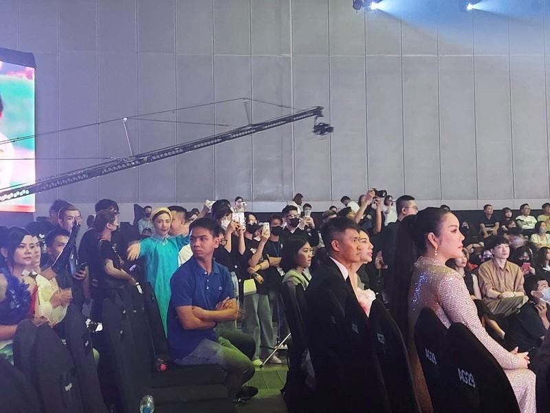 H'Hen Niê, Hòa Minzy, Trọng Hiếu… những khán giả tuyệt vời! - ảnh 3