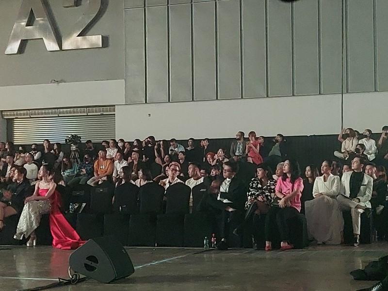 H'Hen Niê, Hòa Minzy, Trọng Hiếu… những khán giả tuyệt vời! - ảnh 4