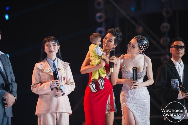 H'Hen Niê, Hòa Minzy, Trọng Hiếu… những khán giả tuyệt vời! - ảnh 2
