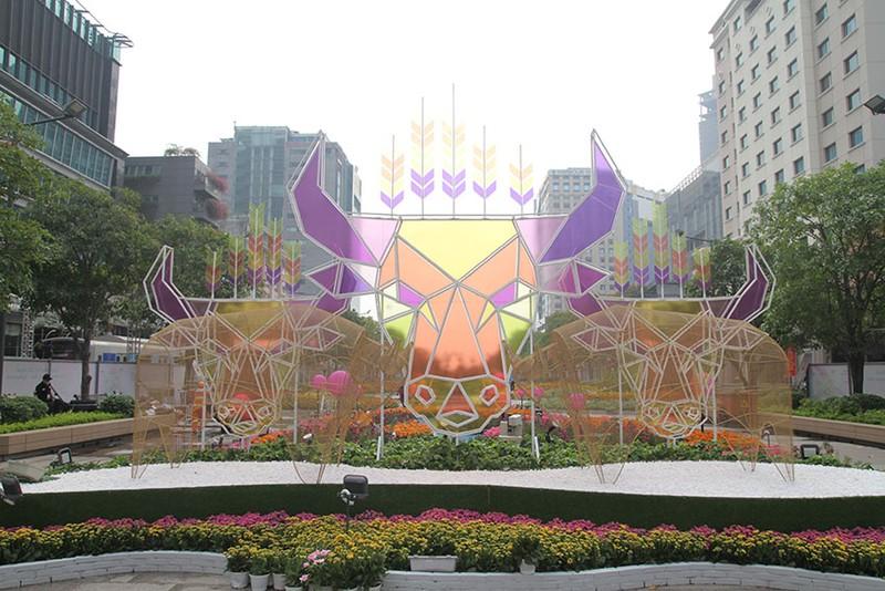 Cả một tuổi thơ ùa về khi đến đường hoa Nguyễn Huệ ngày Tết - ảnh 4