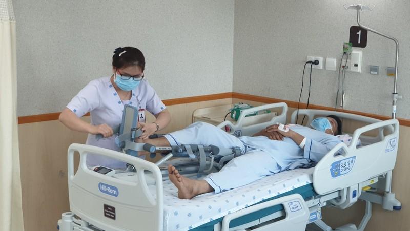 Bình yên ngắm bức ảnh của nữ hộ sinh Bệnh viện ĐH Y Dược  - ảnh 12