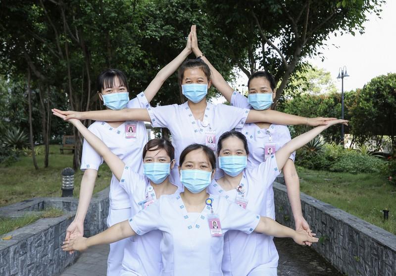 Bình yên ngắm bức ảnh của nữ hộ sinh Bệnh viện ĐH Y Dược - ảnh 9