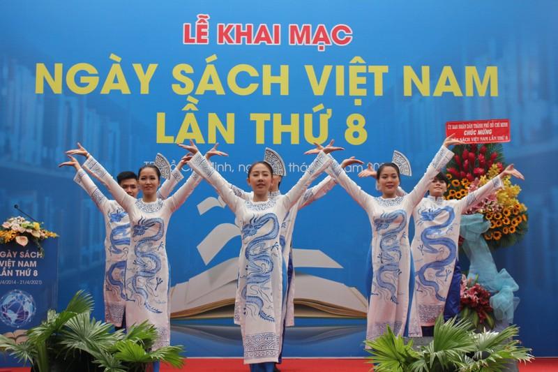 Nhà văn Nguyễn Nhật Ánh không giao lưu trong lễ hội sách - ảnh 5