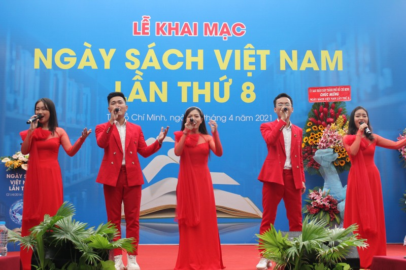 Nhà văn Nguyễn Nhật Ánh không giao lưu trong lễ hội sách - ảnh 4