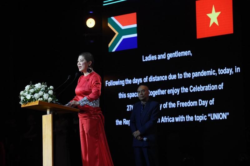 Dàn sao Việt dự lễ kỷ niệm Quốc khánh Cộng hòa Nam Phi - ảnh 4