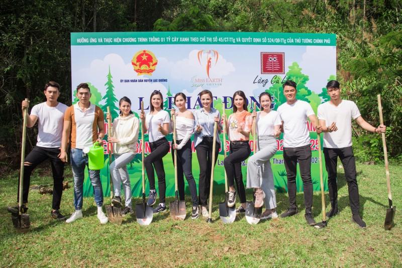 Dàn mỹ nhân Miss Earth Việt Nam trang phục giản đi trồng cây - ảnh 3