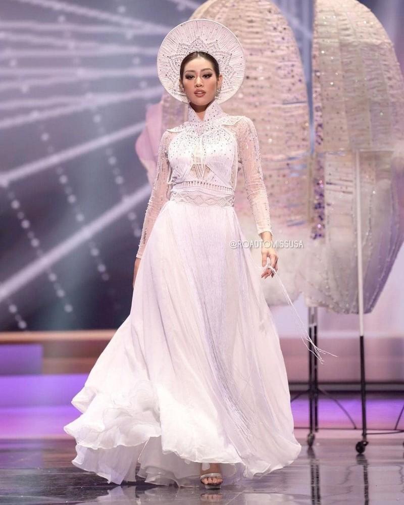 Stylist của Hoa hậu Khánh Vân nói về sự cố trang phục dân tộc - ảnh 1