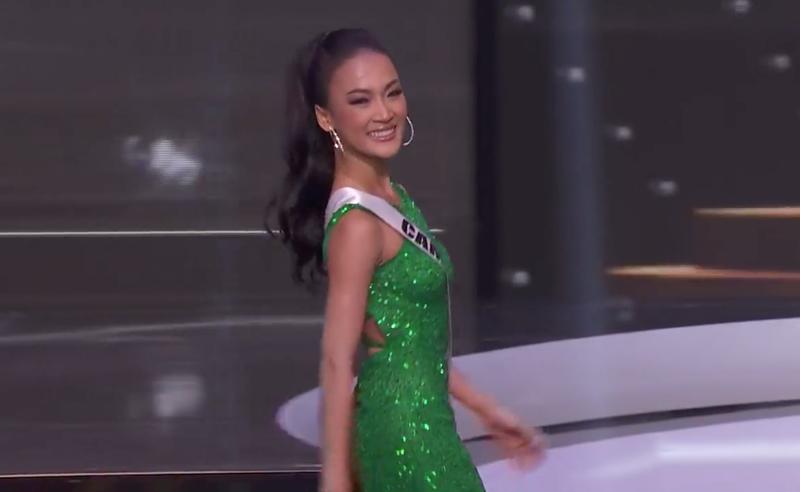 Ngắm Khánh Vân thi dạ hội tại Bán kết Miss Universe - ảnh 5