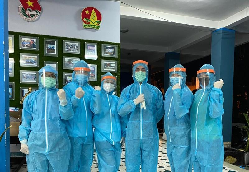 Mai Phương Thúy đăng kí làm tình nguyện viên chống dịch COVID-19 - ảnh 2