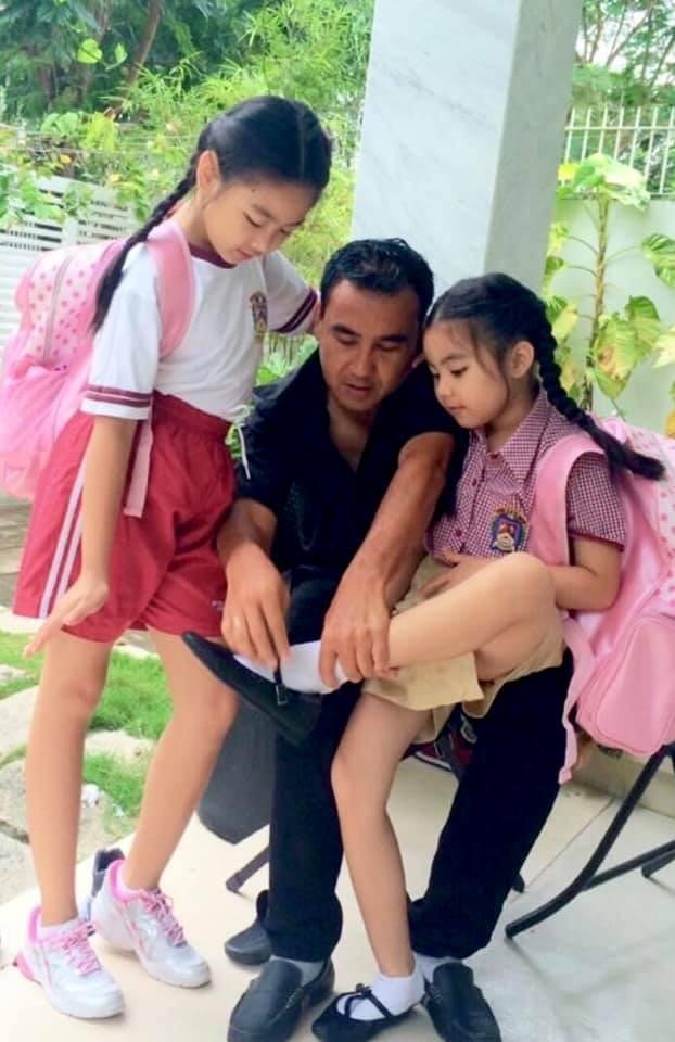 Hình ảnh Quyền Linh và 2 ái nữ ngày còn thơ bé  - ảnh 8