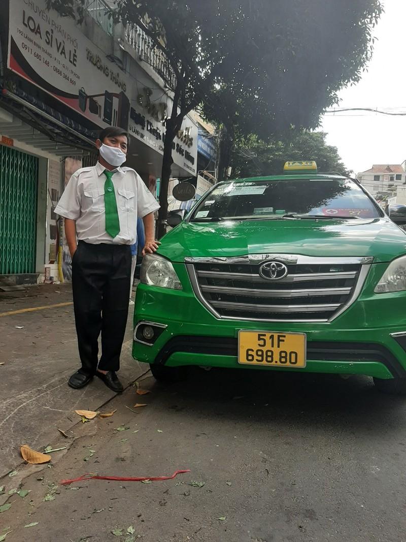 Tài xế taxi giúp sản phụ sinh con trên xe giữa mùa dịch - ảnh 1