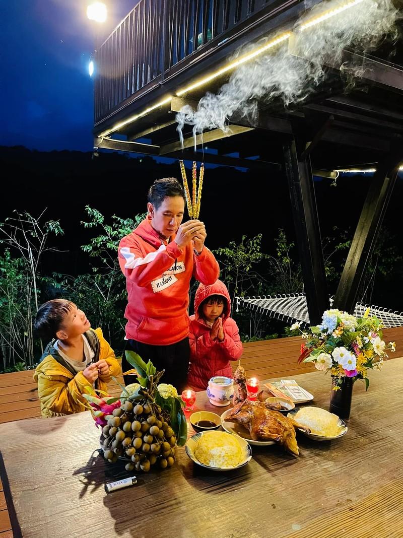 TP.HCM: Nghệ sĩ dâng hương cúng Tổ tại nhà trong mùa dịch - ảnh 5