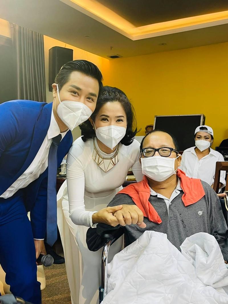 Trần Mạnh Tuấn ngồi xe lăn, hồi phục thần kì sau cơn đột quỵ - ảnh 1