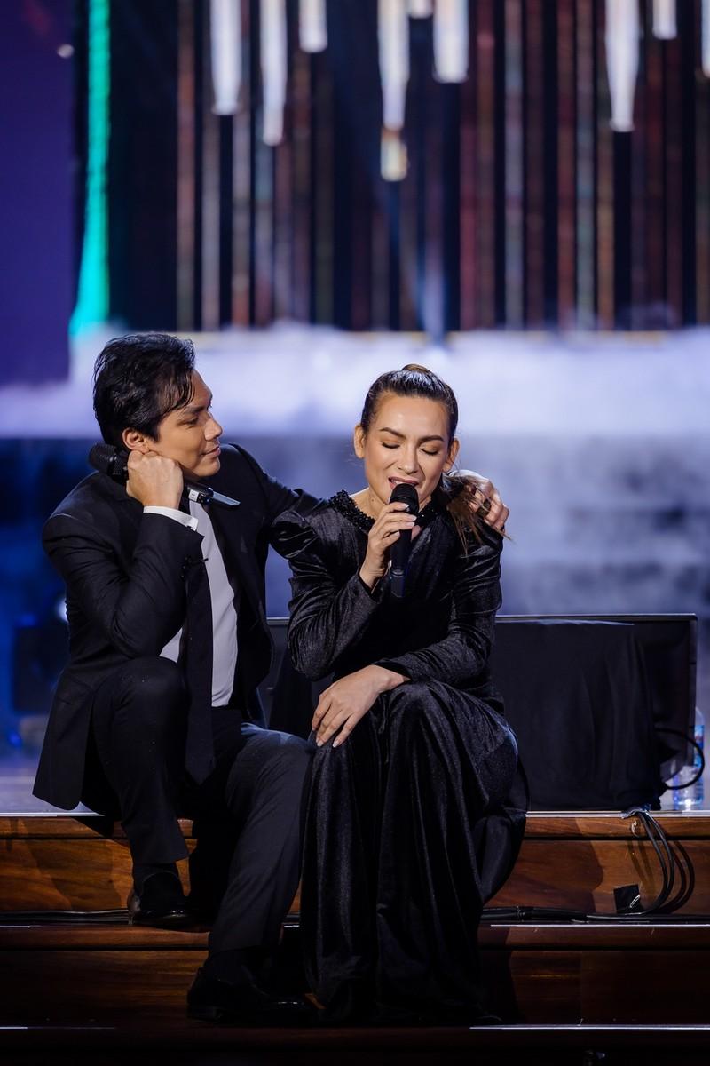 Hơn 20 năm tri kỉ trên sân khấu của Phi Nhung-Mạnh Quỳnh - ảnh 1