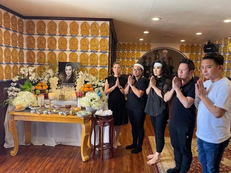 Xúc động lễ cúng thất Phi Nhung ở Mỹ - ảnh 1