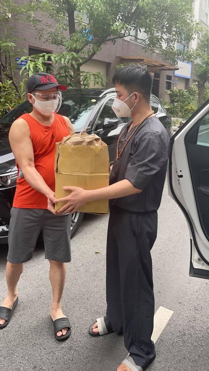 Ca sĩ Quách Tuấn Du thắng COVID, chạy xe máy mang thuốc giúp F0 ở TP.HCM - ảnh 5